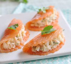 Salmon Ravioles Want to eat well. More salmon-based recipes Salmon Recipes, Fish Recipes, Seafood Recipes, Cooking Recipes, Seafood Appetizers, Appetizer Recipes, Food Porn, Good Food, Yummy Food