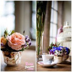 fleurs dans service à thé