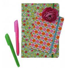 Lot de 2 cahiers http://www.boutiquemarieclaire.com/catalogue/loisir-creatif/autres-techniques/lot-de-2-cahiers.html