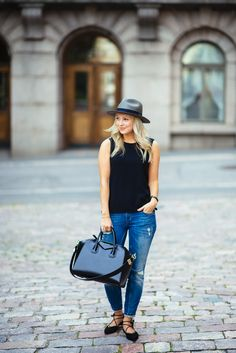 Jonnamaista.com Balmuir hat, Givenchy Antigona bag