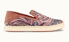 The perfect medium to show off Wooden Wave's playful personality, this slip-on features a full-color print on lightweight canvas. The Drop-In heel adds an element of cool casual, while the leather accents work perfectly to frame this work of art.