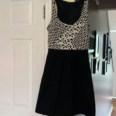 Black and white Cynthia Rowley dress Dress by Cynthia Rowley.  Excellent condition.  A-line with pockets. Cynthia Rowley Dresses