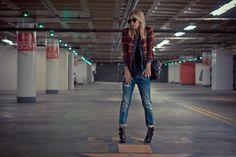 Shop this look on Kaleidoscope (jacket, jeans)  http://kalei.do/X9mcqkKaGp4w29TC