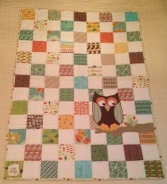 The quilt we made for baby Nelson :-) I did everything except the Owl. Baby Quilts, Owl, Blanket, Owls, Rug, Blankets, Baby Blankets, Baby Knitting, Kid Quilts