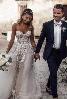 wedding images walk in city tali photography Baby Blue Wedding Dresses, Sweetheart Wedding Dress, Wedding Dress Trends, Wedding Attire, Bridal Dresses, Dress Wedding, Wedding Fun, Wedding Dreams, Boho Wedding