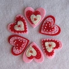 Items similar to Red Cream Pink Valentine Hearts on Etsy - Basteln Valentines Day Hearts, Valentine Day Crafts, Valentine Heart, Holiday Crafts, Thanksgiving Holiday, Felt Embroidery, Felt Applique, Felt Decorations, Valentine Decorations