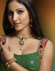 Indian TV Actress Hina Khan Life History, Biography, age,height, Career and Boyfriend