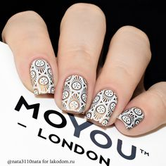 Opting for bright colours or intricate nail art isn't a must anymore. This year, nude nail designs are becoming a trend. Here are some nude nail designs. Fancy Nails, Love Nails, Pretty Nails, Steampunk Nails, Watermelon Nails, Nagellack Trends, London Nails, Modern Nails, Stamping Nail Art