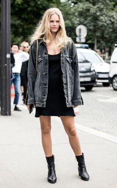 Street style look bicolor com jeans e preto.