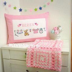 Cross stitch baby pillow İnstagram @madebyigneiplik