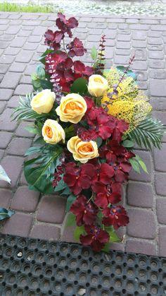 Grave Flowers, Funeral Flowers, Funeral Flower Arrangements, Floral Arrangements, Terrarium Plants, Flower Decorations, Floral Wreath, Wreaths, Vence