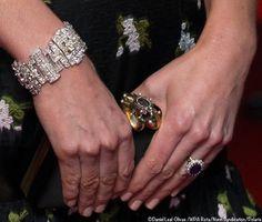 Kate's #AlexanderMcQueen handbag and the Queen's Wedding Gift bracelet at the BAFTA Awards 12 Feb 2017 #KateMIddletonJewelry