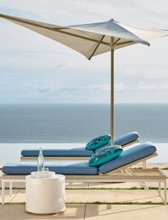 Palazzo brings ordered luxury and purity of line to your outdoor tableau. Carefully chosen pieces create a clean, elegant shape and modern aesthetic. Weather-resistant materials include powdercoated aluminum wrapped in the industry's best handwoven resin wicker. Thick, all-weather cushions wrapped in 100% solution-dyed fabric.