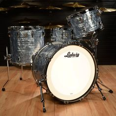 Ludwig 13/16/24 Classic Maple Kit Sky Blue Pearl w/ Free 6.5x14 Snare