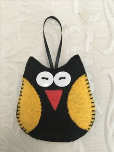 Felt crafts, felt ornament, owl, made by Janis