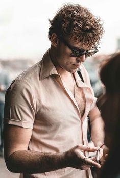 Omgosh that chest hair!