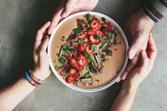 chocolate smoothie bowl topped with chocolate mint slice & strawberries vegan // dairy free // gluten free