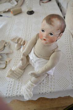 pop: Käthe, bijna klaar. Mijn eerste baby pop van stof   Door: Nelleke Hoffland
