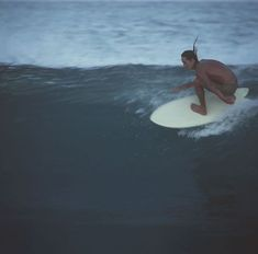Surfing holidays is a surfing vlog with instructional surf videos, fails and big waves Fish Surfboard, Surfer Girl Style, Surfer Girls, Soul Surfer, Surfing Pictures, Surf Shack, Surf City, Surf Style, Big Waves