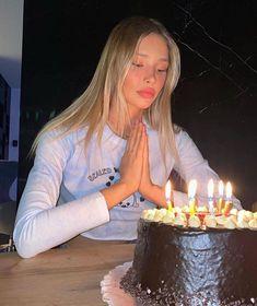 Birthday Girl Pictures, Birthday Photos, Birthday Bash, Happy Birthday, Birthday Stuff, Its My Bday, Birthday Wishes For Myself, Bridal Makeup Looks, Bday Girl