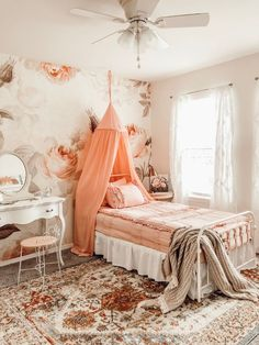 Blending vintage treasures, beautiful floral wallpaper, and white and blush pieces creates this elegant girls vintage blush and floral girls bedroom. Plywood Furniture, Design Furniture, Floral Bedroom, Bedroom Decor, Bedroom Ideas, Bedroom Wall, Gray Bedroom, Bedroom Colors, Home Decor Signs