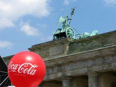 Brandenburger Tor und Cola Berlin, Germany, Brandenburg Gate, Deutsch, Berlin Germany