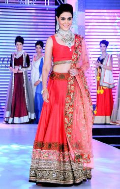 Genelia D'Souza on the ramp Pakistani Dresses, Indian Sarees, Indian Dresses, Indian Outfits, Bollywood Lehenga, Bollywood Fashion, Bollywood Style, India Fashion, Ethnic Fashion