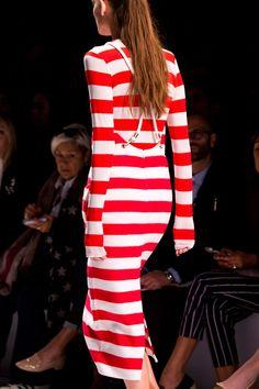 MaxMara at Milan Fashion Week Spring 2016 - Details Runway Photos Italian Fashion, Max Mara, Spring 2016, Ready To Wear, Runway, Bodycon Dress, Detail, Milan Fashion, Chic