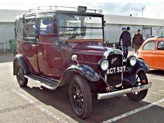 1933 Austin LL Taxi Engine (photo by R Knight). Old Vintage Cars, Vintage Trucks, Antique Cars, Taxi, Mini Morris, Austin Cars, Road Train, Motor Car, Cool Cars