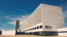 """72 Me gusta, 12 comentarios - A L I C E (@alicesalesg) en Instagram: """"B R A S Í L I A . . . . #sky #blue #white #architecture #brazilianarchitecture #photo #photovsco…"""""""