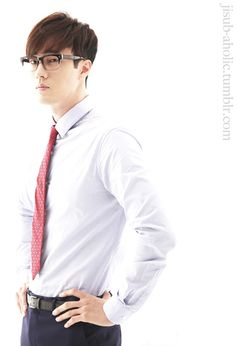THIS!! My word!! <3 <3 <3!!! There's just something about a man in a suit! Especially when that man is So Ji Sub! Oppa you have killed me!