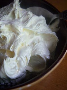 white chocolate coconut buttercream frosting