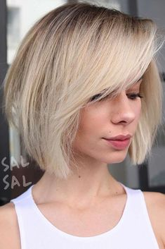 If you have completely fallen in love with the concept of balayage hair color, but are unsure if you can pull off this trendy color technique with shorter hair, you don't have to wonder anymore! Read on to find the hottest balayage hair color idea for short hair!