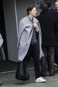 To know more about Phoebe Philo styling, visit Sumally, a social network that gathers together all the wanted things in the world! Featuring over 18 other Phoebe Philo items too! Phoebe Philo, Fashion Mode, New York Fashion, Look Fashion, Fashion Trends, Minimal Fashion, Looks Style, Style Me, Style Star