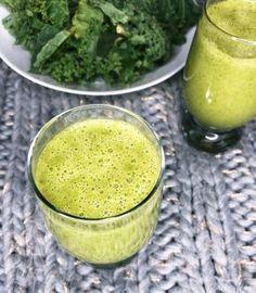 Kilka pomysłów na koktajl z jarmużem. Dlaczego zielone koktajle są tak zdrowe i jakie właściwości posiada jarmuż? Breakfast Smoothie Recipes, Healthy Smoothies, Breakfast Options, Fruits And Veggies, Cake Recipes, Juice, Gluten, Pudding, Drinks