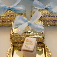 Porta joia e bandejinhas, um luxo a mais na decoração! #decoracaoluxo #lembrancinha #festainfantil # - jae_festa