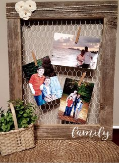 Items similar to Barnwood & Chicken wire frame on Etsy Diy Projects To Try, Crafts To Do, Wood Crafts, Craft Projects, Diy Crafts, Chicken Wire Crafts, Chicken Wire Frame, Frame Crafts, Diy Frame