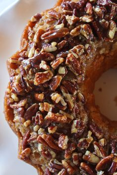 Pecan Updside Down Bundt Cake Recipe - Practically Homemade - Desserts - Fall Desserts, Just Desserts, Delicious Desserts, Dessert Recipes, Pecan Desserts, Snack Recipes, Food Cakes, Cupcake Cakes, Baking Cupcakes