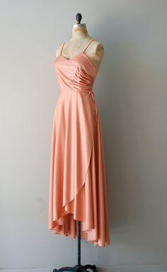 1970s Whipped Apricot dress, $86  #women #fashion #beauty #girl #love