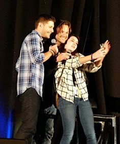 That's what you call a lucky fangirl :) #njcon @JensenAckles @jarpad