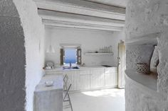 Built around 1850, this residence in Nisyros was completely restored and turned into a villa of two independent luxury apartments by ADarchitects, with respect to the local architectural tradition …