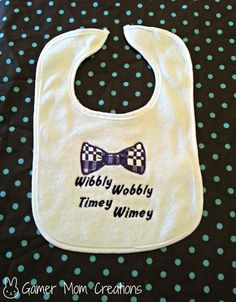 Baby Bibs For The Littlest Nerds Doctor Who Baby, Geek Baby, Baby Nerd, Our Baby, Baby Love, Rainbow Baby, Baby Costumes, Dr Who, Having A Baby