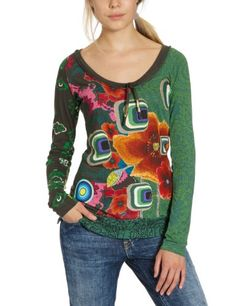 Desigual T Shirt Green Erin Women Fashion Week Paris, Tokyo Fashion, Love Fashion, Fashion Design, Latest Outfits, New Outfits, Casual Outfits, Fashion Outfits, Casual Clothes