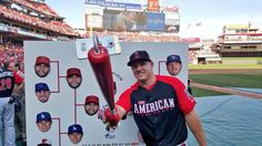 Mike Trout tries out the #SnapBat before the derby!
