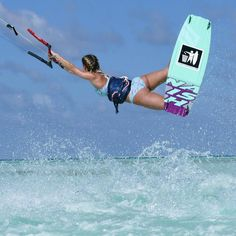 Barbados Surfing conditions are ideal for any level of surfer. Barbados is almost guaranteed to have surf somewhere on any given day of the year. Kitesurfing, Wakeboarding Girl, Wakeboard Boats, Surfing Tips, California Surf, Sup Surf, Big Waves, Big Challenge, Surf Girls