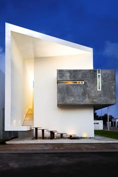 Beautiful. I love the concrete accent.  Moderno