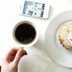 Uprzyjemniacze popołudnia ☕️ Szykuję dla Was post, tym razem będzie fotograficznie  Chcecie?  #yummy #coffee #relax #mylife #flatlay