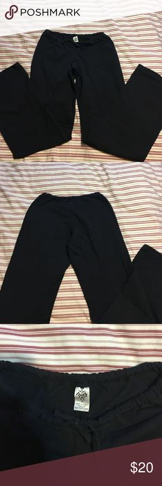 """Prana yoga pant Prana black full length (ankles and I'm 5'7"""") yoga pants. Worn only a couple times and I'm great condition. Draw strong in front. Size S. Prana Pants Straight Leg"""