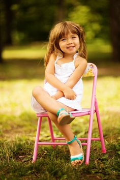 Little girl on a chair outside. Pink dress. LILY-ROSE - Gabriel Rancourt Productions inc.