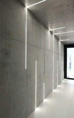 profilés LED encastrés dans les murs et le plafond en béton via Atelier Zafari Architecture Corporate Office Design, Office Interior Design, Office Interiors, Office Designs, Interior Lighting Design, Interior Ideas, Design Offices, Architectural Lighting Design, Interior Led Lights